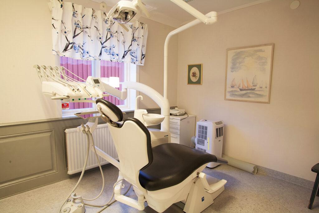 Bild från mottagningen på tandläkarstol